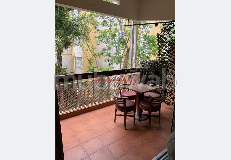 Flat for rent. 3 Dormitory. Moroccan living room, security.