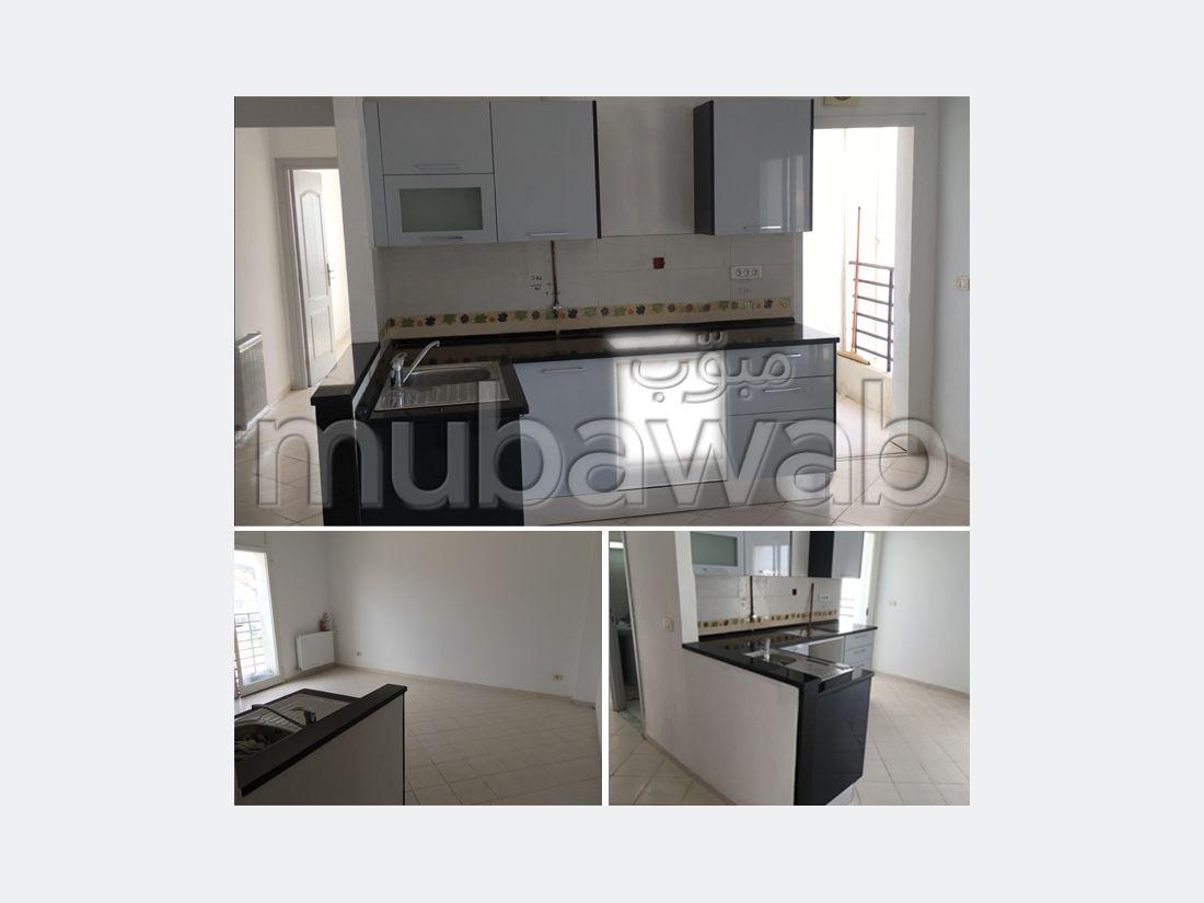Appartement équipé et garage sur Raoued