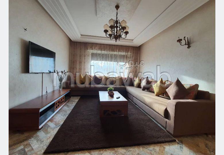 شقة جميلة للكراء بطنجة. 3 غرف جميلة. مفروشة.