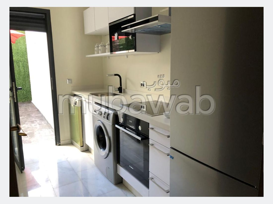 Find an apartment to buy. 2 Dormitory. With lift and terrace.