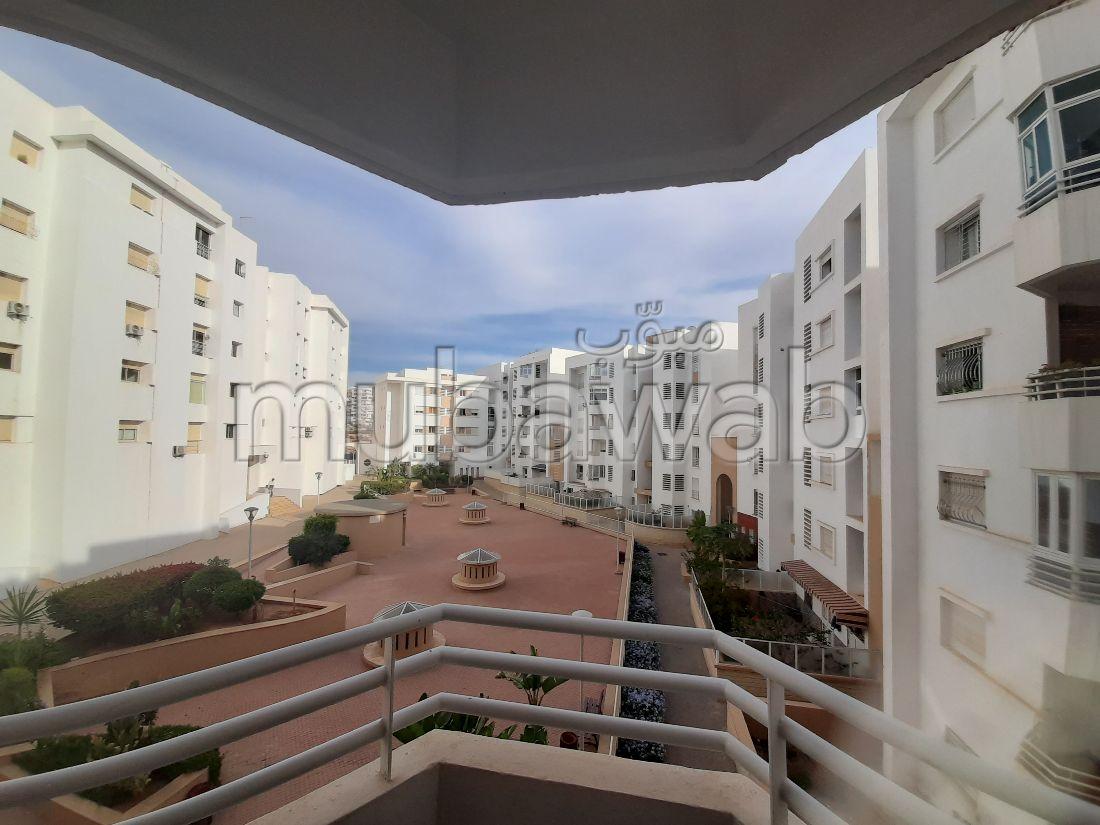 شقة للشراء بأكادير. المساحة 134.0 م². إقامة بالبواب ، ومكيف هوائي.