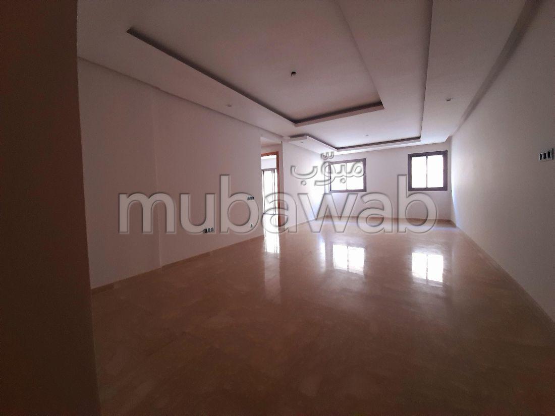 Très bel appartement vide à louer à Palmier