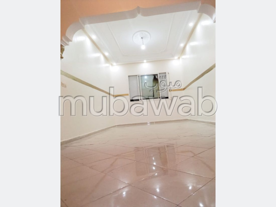 Sale of a lovely apartment. 1 Living area. Beautiful terrace and garden.