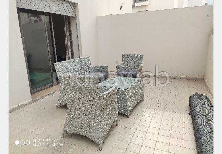 Superbe appartement avec terrasse en location meublé