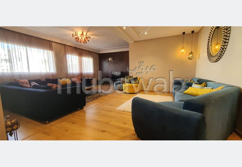 Apartment for rent. Area of 135.0 m². Well furnished.