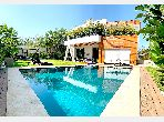 Luxury villa for sale. 10 Common room. Working fireplace, Property with swimming pool.