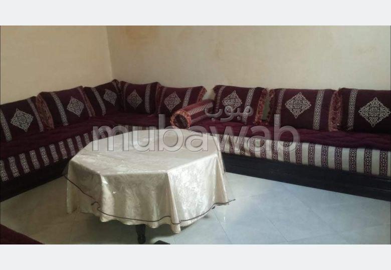 Location d'un appartement à Agadir. 4 grandes pièces. Bien meublé.