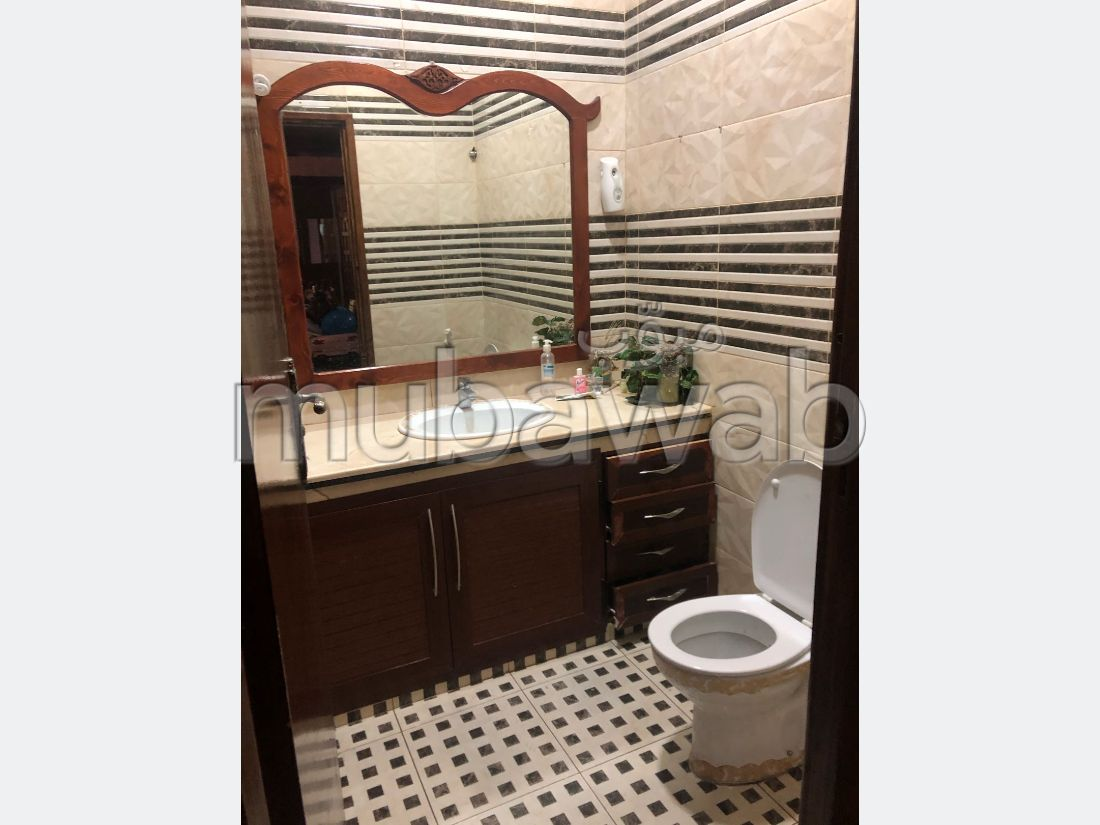 Appartement à vendre à Salé. 3 belles chambres. Antenne parabolique et sécurité