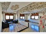 شقة رائعة للبيع بفاس. المساحة 144.0 م². شرفة جميلة وحديقة.