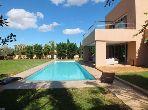 Al Maaden Magnifique Villa à louer meublée, de 440 m² hab, 4 Chs, double Salon, Jardin & Piscine privative
