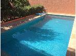 Somptueuse villa à vendre à Marrakech. 2 grandes pièces. Salon traditionnel et porte blindée.