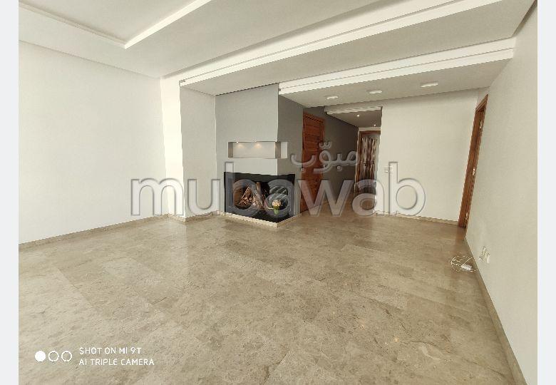 Location d'un appartement à Casablanca. 3 pièces. Prestation de conciergerie, air conditionné