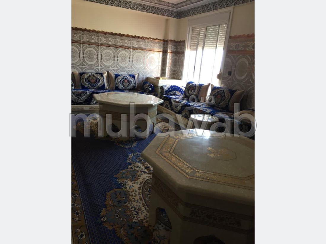 Appartement en vente à Tanger. 3 pièces. Salon Marocain, sécurité