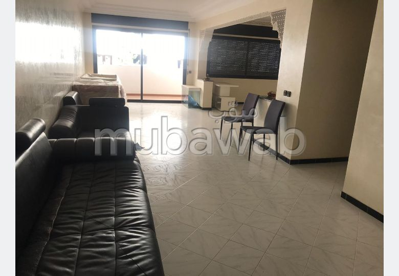 Appartement à louer à Tanger. 2 chambres agréables. Antenne parabolique, résidence sécurisée