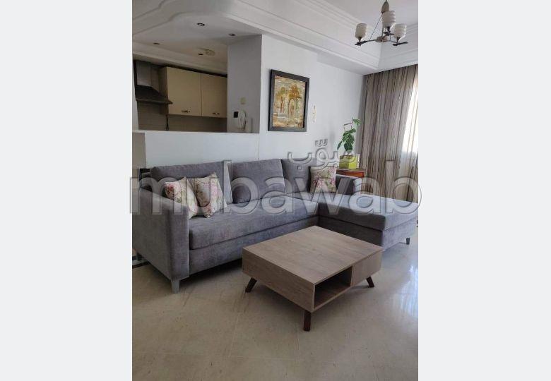 Location d'un appartement. Surface de 100.0 m². Bien meublé