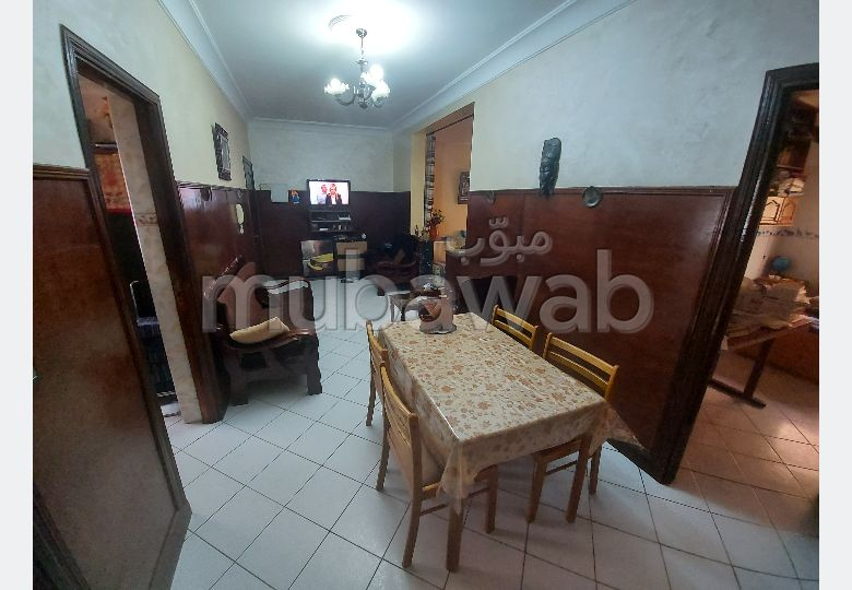 Fabulous apartment for sale. 6 Rooms. Traditional Moroccan living room.