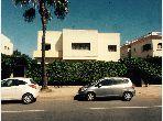 فيلا فاخرة للبيع بالدارالبيضاء. 8 غرف. صالة مغربية تقليدية وباب متين.