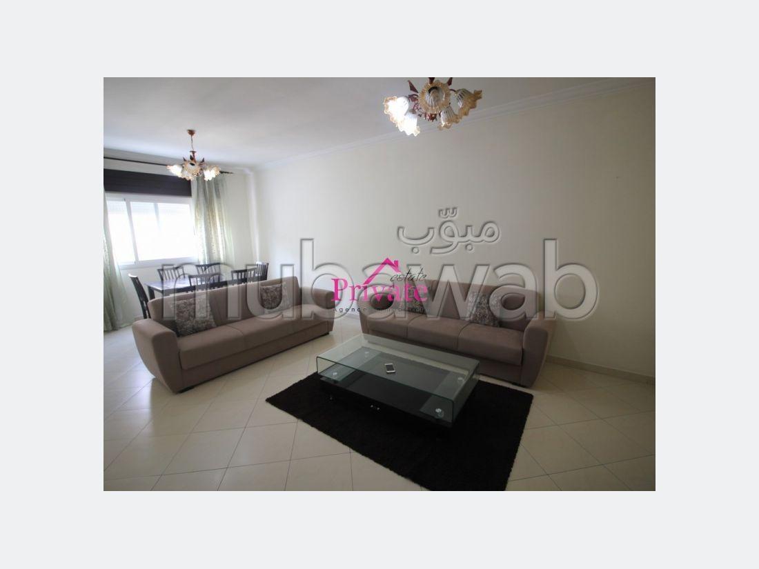 Bonito piso en alquiler. Superficie 90 m². Mobiliario.