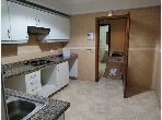 شقة رائعة للإيجار ب موزار. المساحة الإجمالية 95.0 م². موقف سيارات ومصعد.