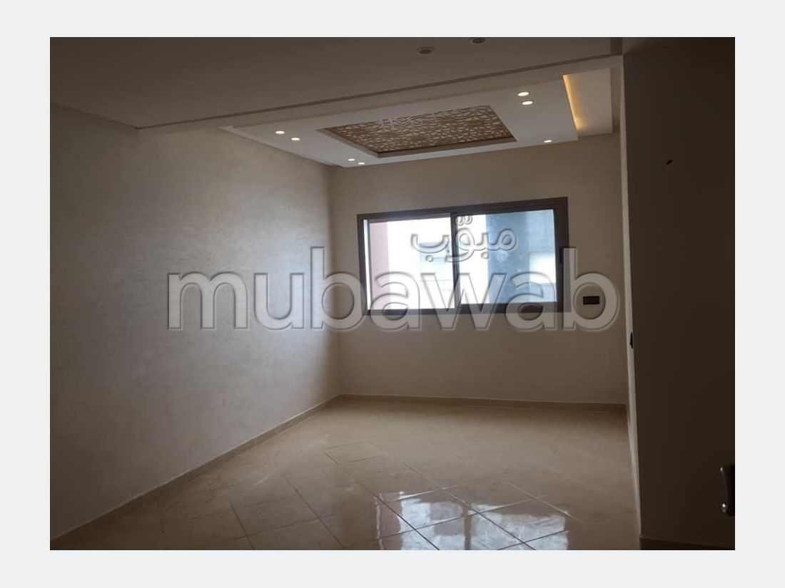 Beautiful apartment for sale in Centre. Large area 71.0 m². Lift and garage.