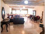 بيع شقة بوسط المدينة. 3 غرف جميلة. صالون مغربي تقليدي ، إقامة آمنة.