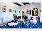 Se vende villa de lujo. Dimensión 350 m². Chimenea funcional, piscina grande.