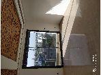 Bel appartement neuf à vendre à Casablanca. Surface de 109.0 m². Porte blindée et système de double vitrage