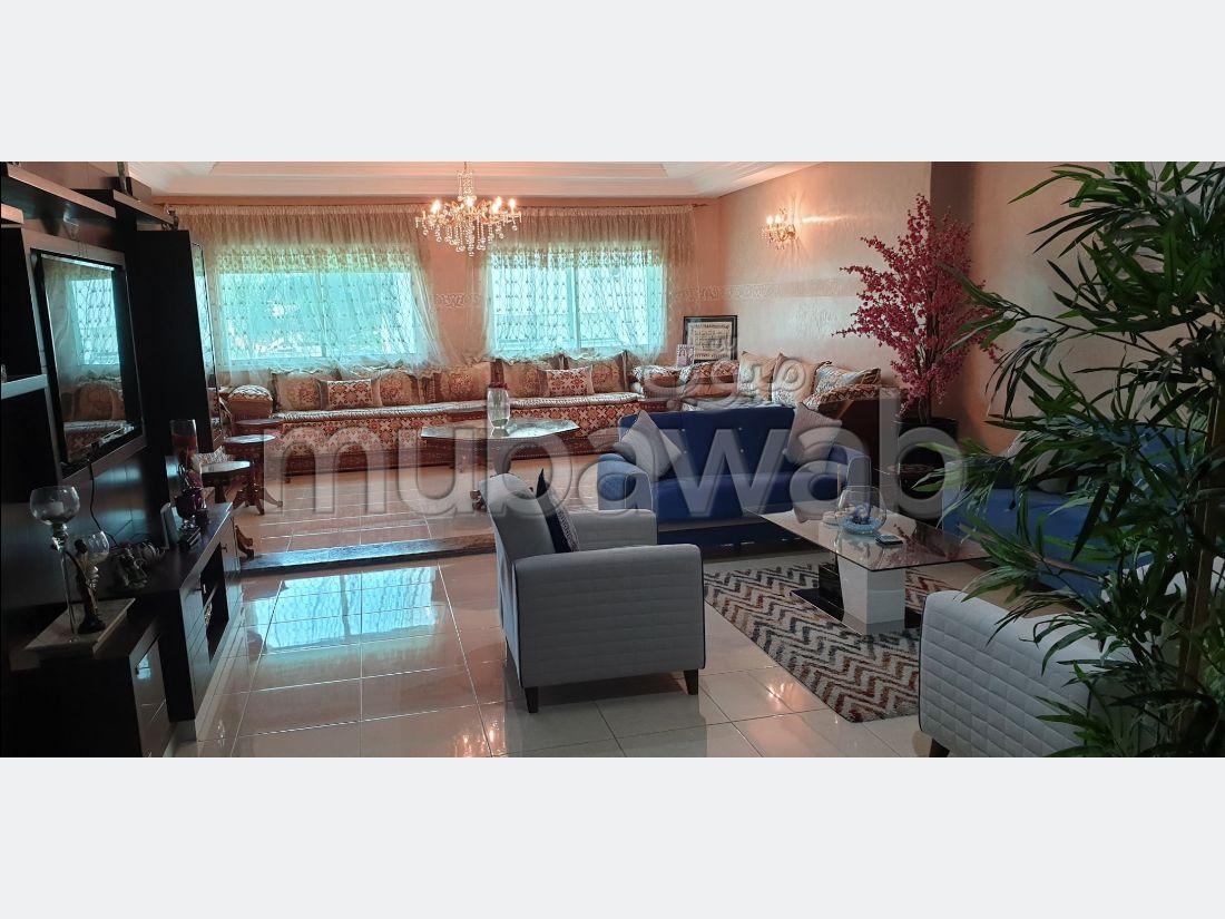 شقة للشراء ب معمورة. المساحة الكلية 178 م². صالون مغربي نموذجي ، إقامة آمنة.