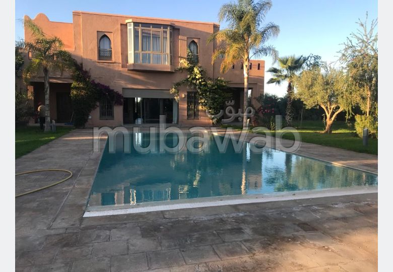 Belle villa a louer sur la  route de Ouarzazate
