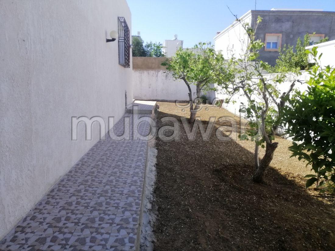 Villa du types s+3 avec jardin et garage