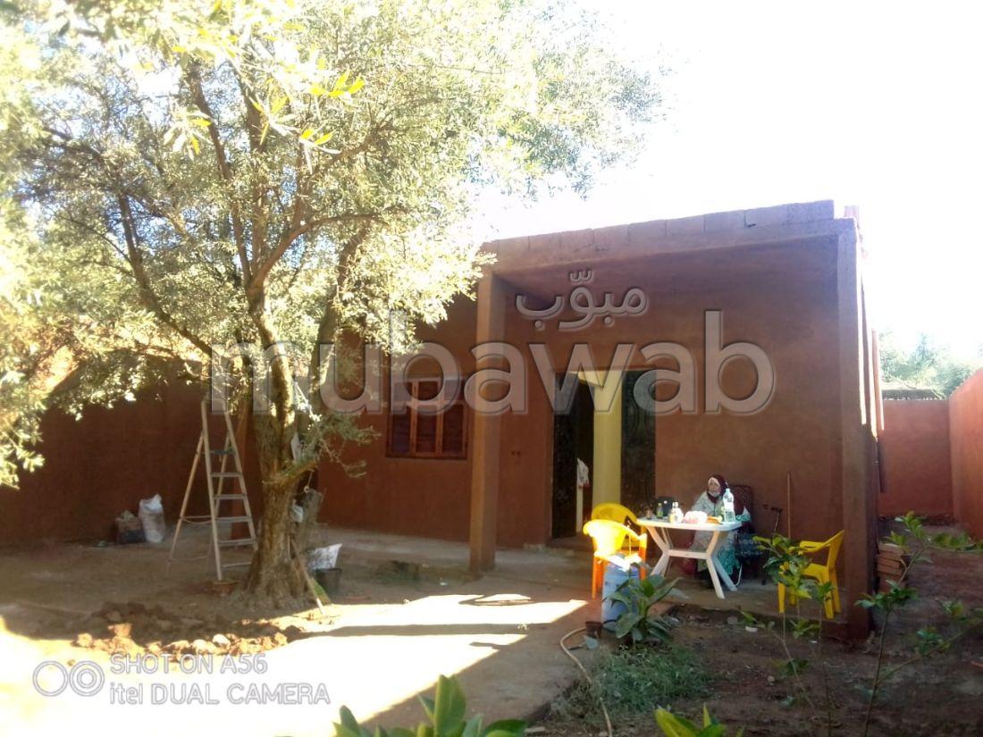 منزل رائع للبيع بمراكش. المساحة 500 م². شرفة وحديقة.
