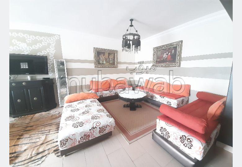 شقة رائعة للايجار بملابطا. المساحة الإجمالية 100 م². مفروشة.
