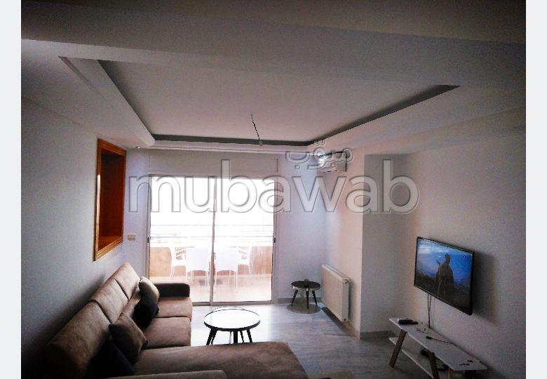 Superbe appartement à louer à Cité Ennasr 2. 2 chambres. Meublé.