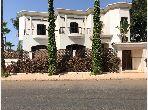Esplendida villa en venta en Mandarona. 10 Estudio. Espacio verde, balcón.