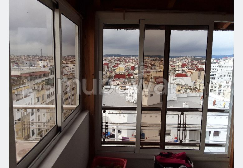 Find an apartment to buy in Castilla. Surface area 304 m². Caretaker service and air conditioning.