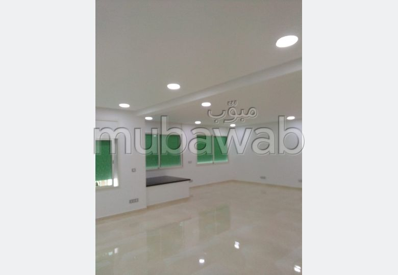 Offices for rent in Agdal. Small area 160 m².