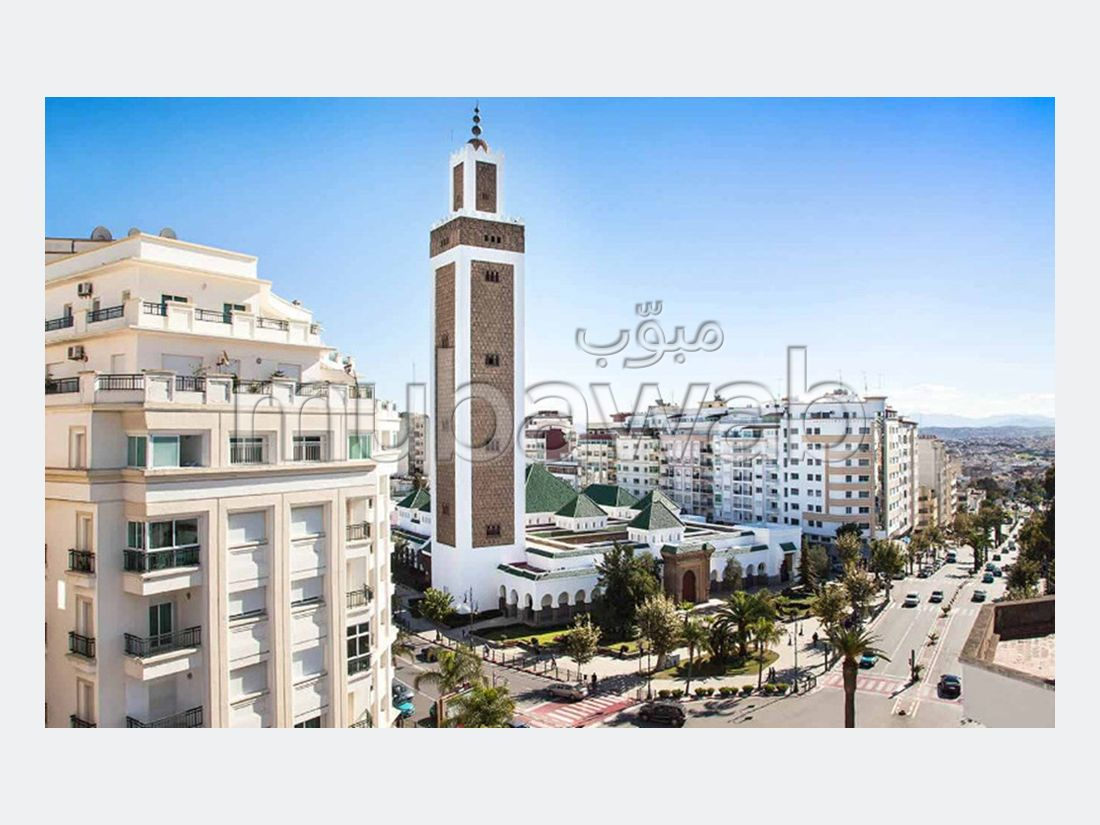 شقة رائعة للبيع ب المدينة العليا. المساحة 160 م². مع المرآب والمصعد.