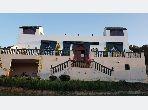 Se vende villa de lujo en Mghogha. 3 Habitación pequeña. Jardines.