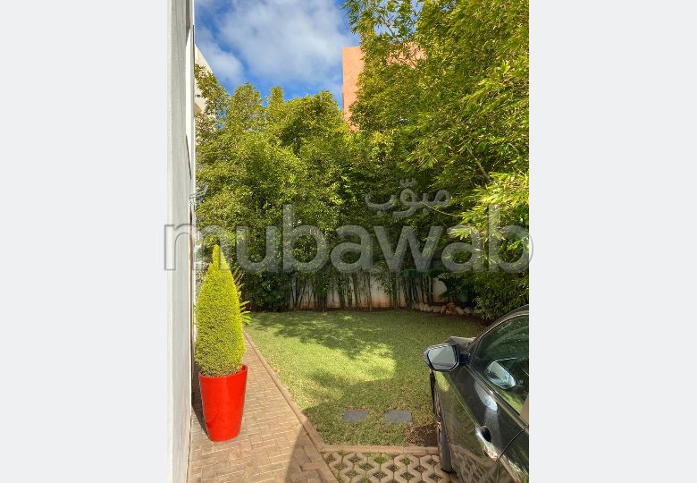 High quality house for sale in Longchamps (Hay Al Hanâa). 4 Small bedroom. Living room with Moroccan decor, General satellite dish system.