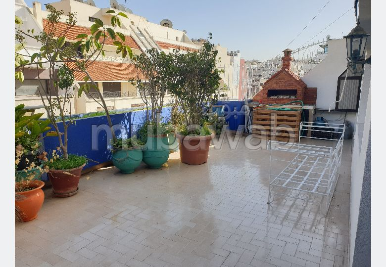 Sell apartment in Les Hôpitaux. Total area 168 m². Garage and terrace.