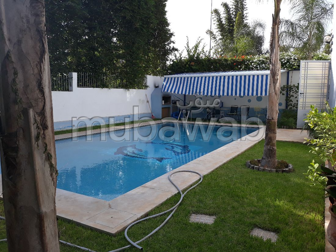 Luxury Villa for rent. 4 Small bedroom. Furnished.