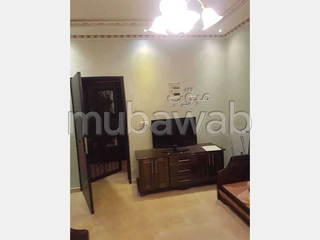Magnífico piso en venta en Centre. 2 Habitacion grande. Salón tradicional y antena parabólica.