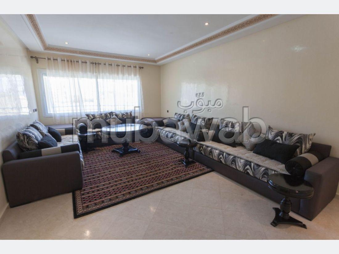 Piso en venta en Route de Meknes. 5 Sala de estar. Plazas de parking y terraza.