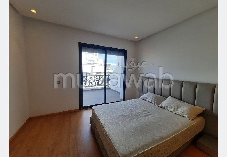 Lovely apartment for rent in Les Hôpitaux. 1 room. Reinforced door and double glazing.