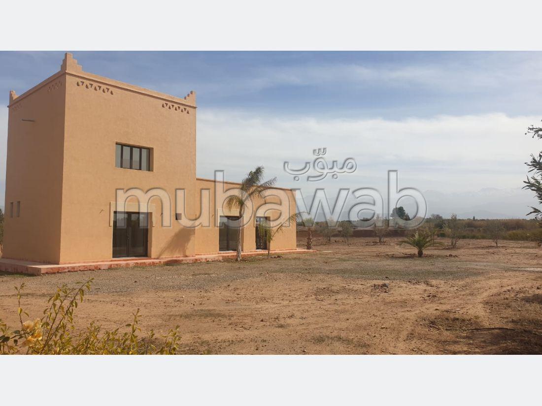 Magnífica casa en venta en Route de l'Ourika. Área total 5000 m². Espacios verdes, Balcón.