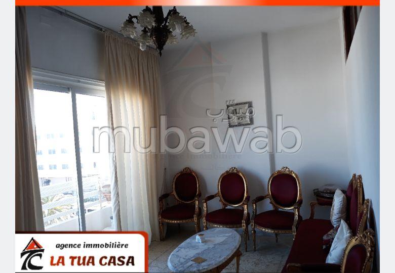 بيع شقة ب سوسة الكورنيش. 3 غرف رائعة. بيئة هادئة مع إطلالة على البحر ،التدفئة المركزية.