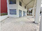 Oficinas y locales comerciales en alquiler en Branes 2. Gran superficie 106 m². Terraza.