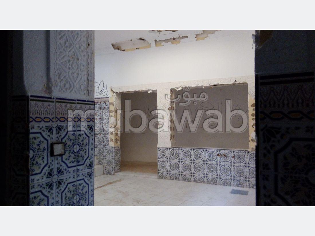 House for sale in Médina. 4 Studio.