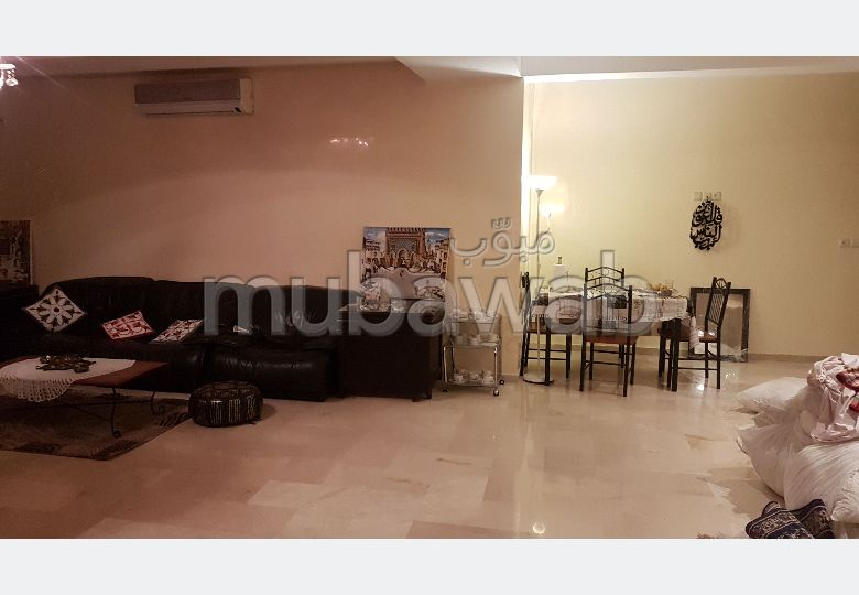 Find an apartment to buy in Mellah. 7 Surgery. No Lift, Large terrace.