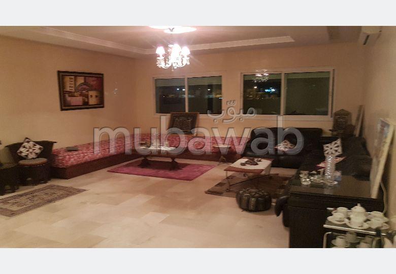 Piso en venta en Mellah. 7 Dormitorios. Garaje y terraza.